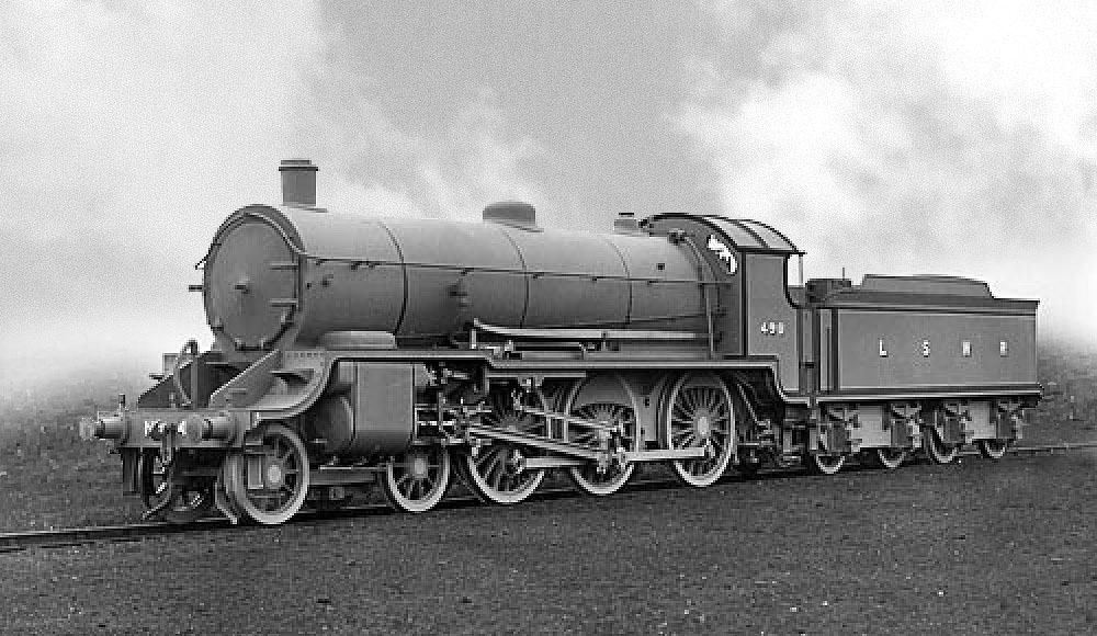 Urie S15 No. 498 at Eastleigh in official photographic grey livery in 1920. (Mr A Major)