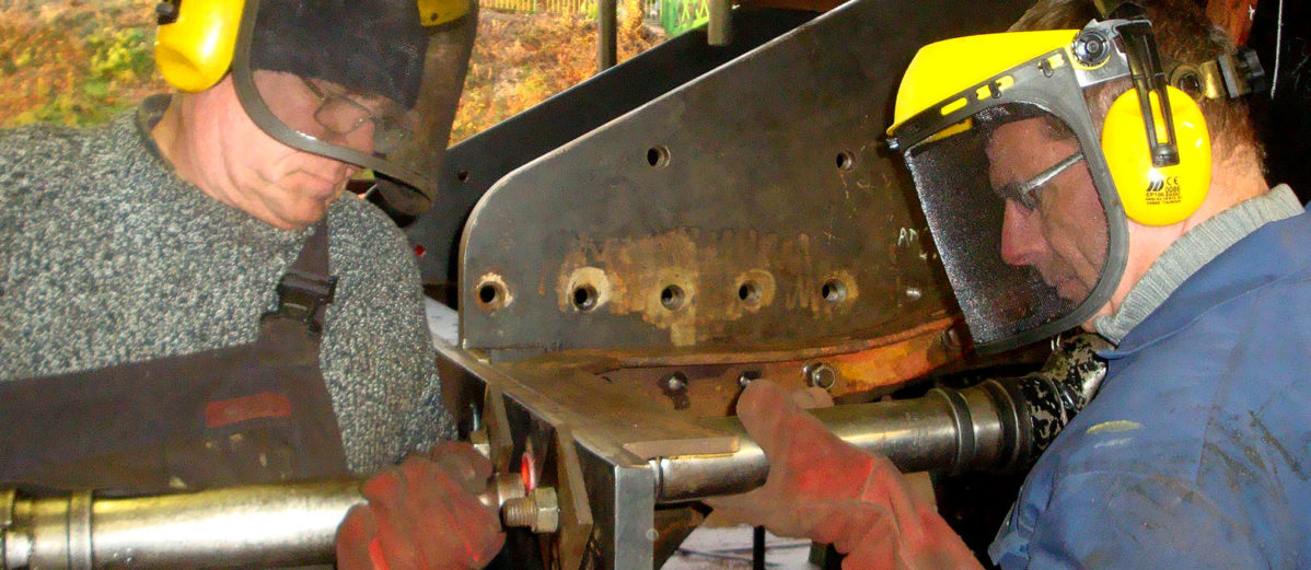 Riveting buffer beam of Urie S15 499
